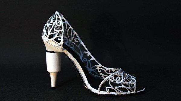 eeb1e2a536 Origami artist Kade Chan can tell you everything about it, as he created a high  heel shoe using the 3Doodler pen.