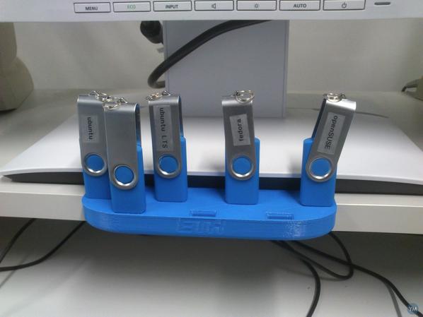 A 3D printed USB rack