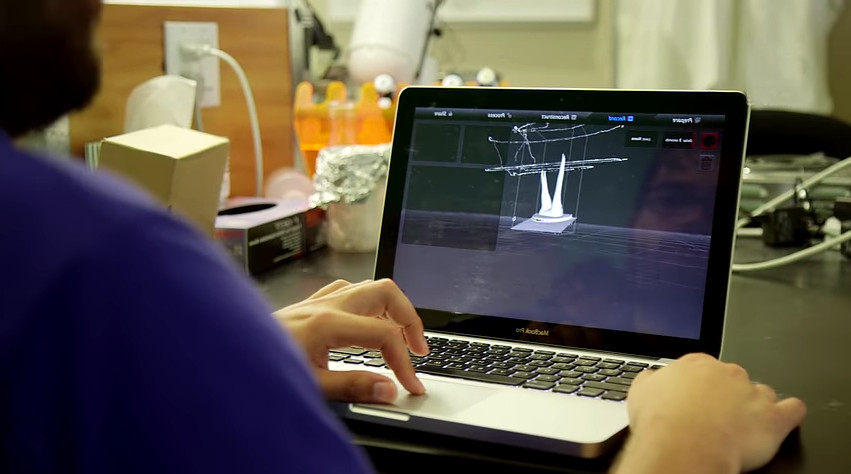 Pembient Startup modeling a 3D rhino horn ready for printing.
