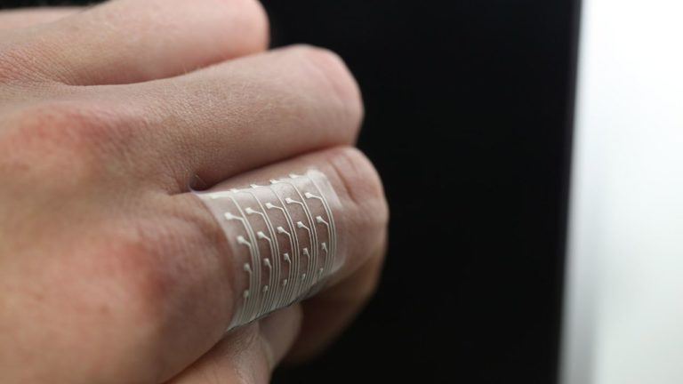 Harvard Researchers 3D Print Stretchable Wearable Electronics Using Hybrid Technique