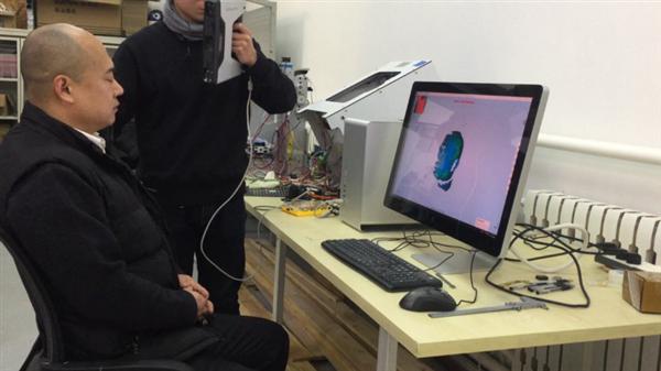 Shining 3D Develops Helmet For Brainwave Research