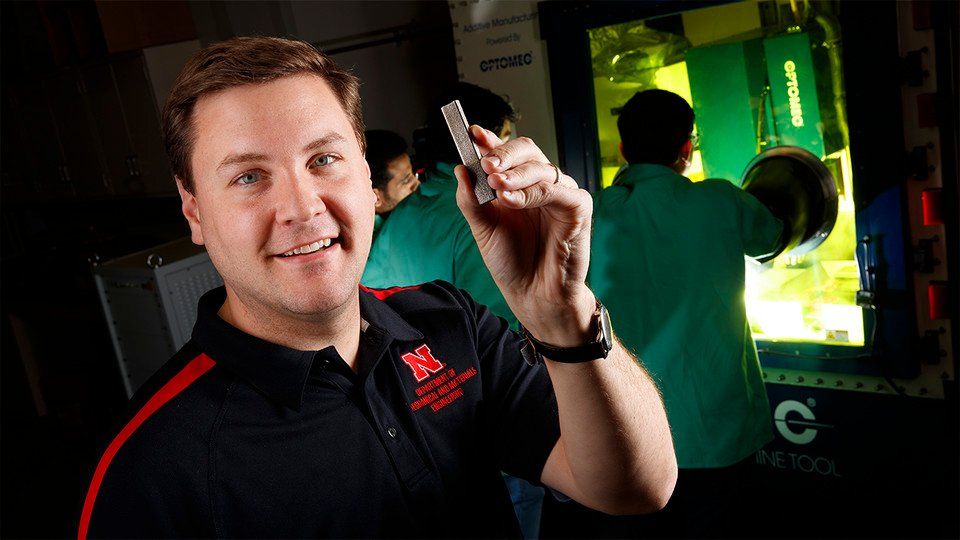UNL Professor Prints Dissolvable Medical Implants