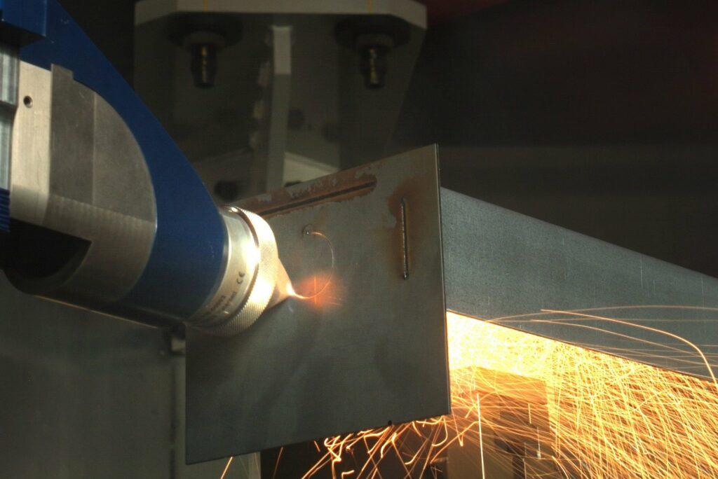 MultiPROmobil: Fraunhofer's Multifunctional Laser Concept