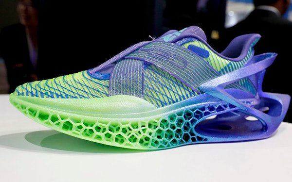 Recyclable TPU Shoes 3D Printed by Peak & Wanhua