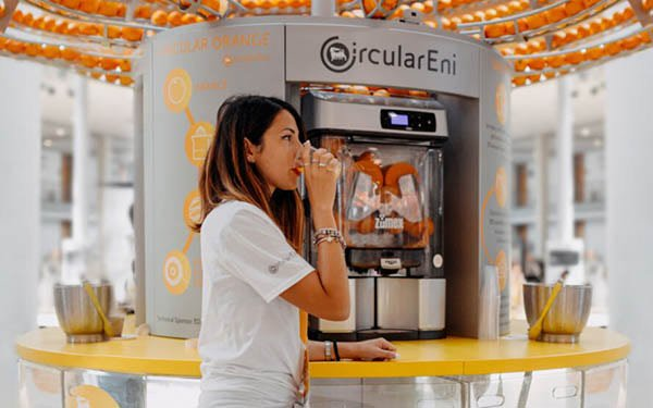 The Circular Juice Bar That 3D Prints Cups From Peels