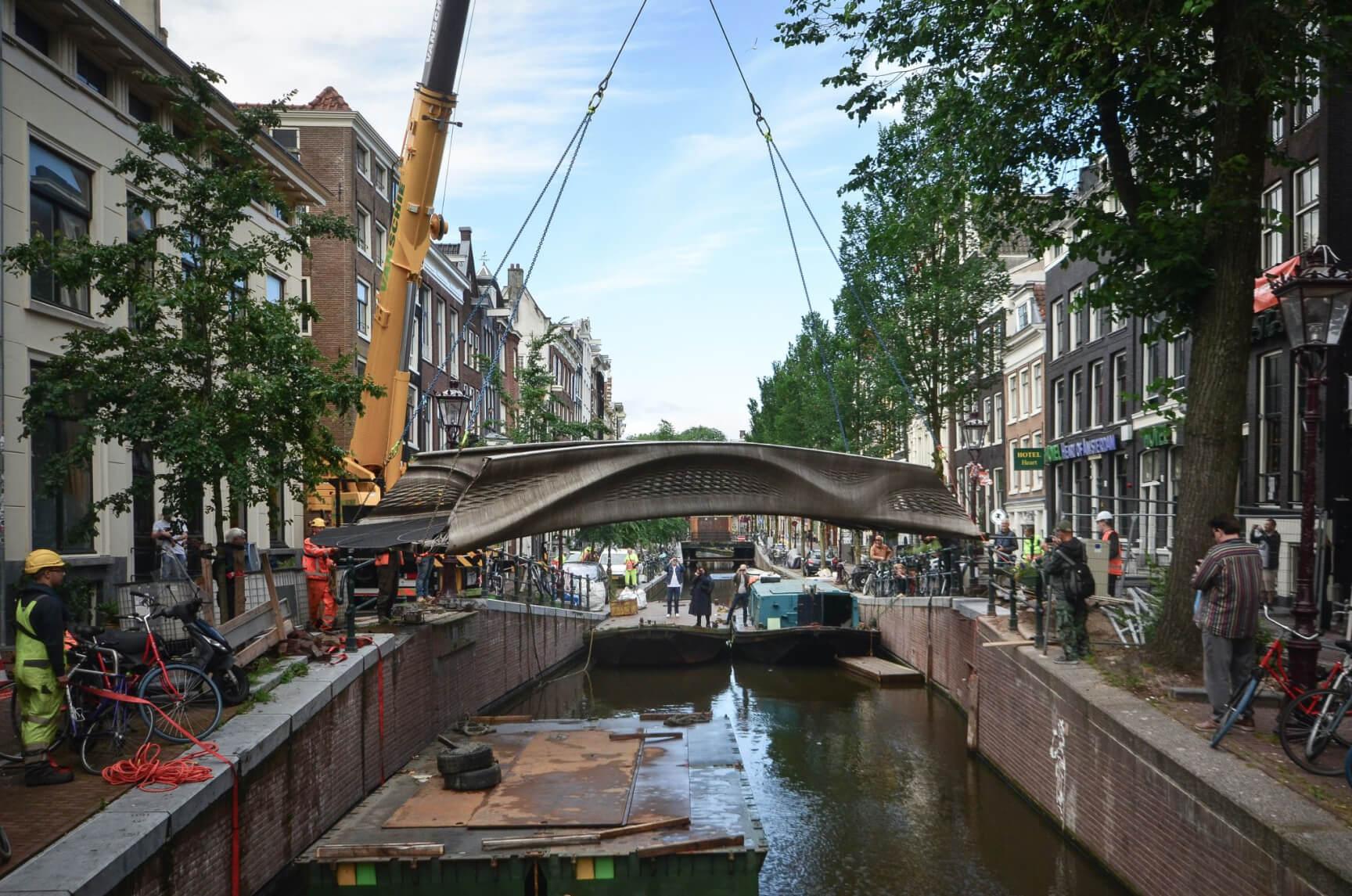 bridge-amsterdam