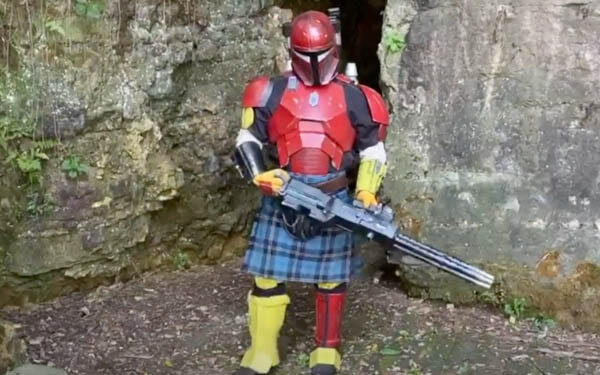 """Serial Kilter"" Cosplayer Creates 3D Printed Heavy Infantry Mandalorian Armor"