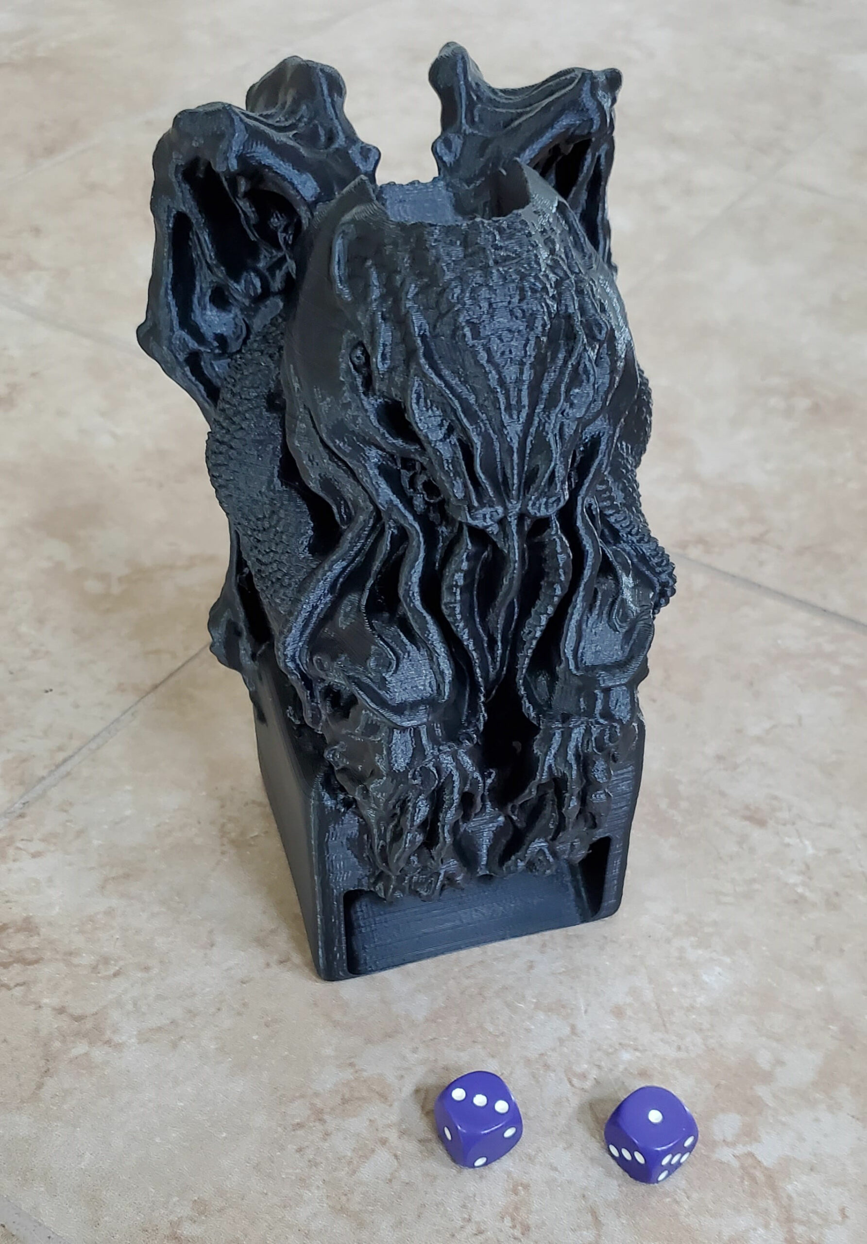 plx filament Cthulhu Idol Dice Tower